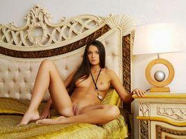 Chantelle A эротическая модель