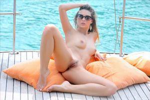 Обои Marketa, yarina a, модель, эротика, красотка, девушка, голая, голая девушка, обнаженная девушка, позы, поза