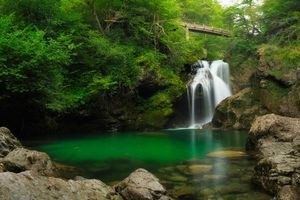 Бесплатные фото Sum Waterfall,Bled Vintgar gorge,Slovenia,водопад,водоём,мост,скалы