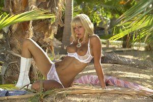 Наташа Марли сексуальная девушка