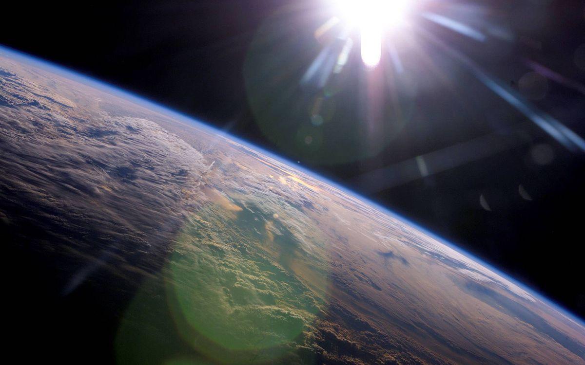 Фото бесплатно планета, земля, ландшавт, орбита, солнце, невесомость, космос