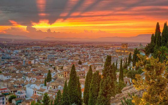 Бесплатные фото городок,дома,крыши,улицы,деревья,небо,закат