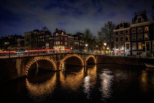 Галерея фото расположен в провинции северная голландия, амстердам