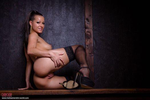 Фото бесплатно обнаженная, девушка, Мелисса Мендини