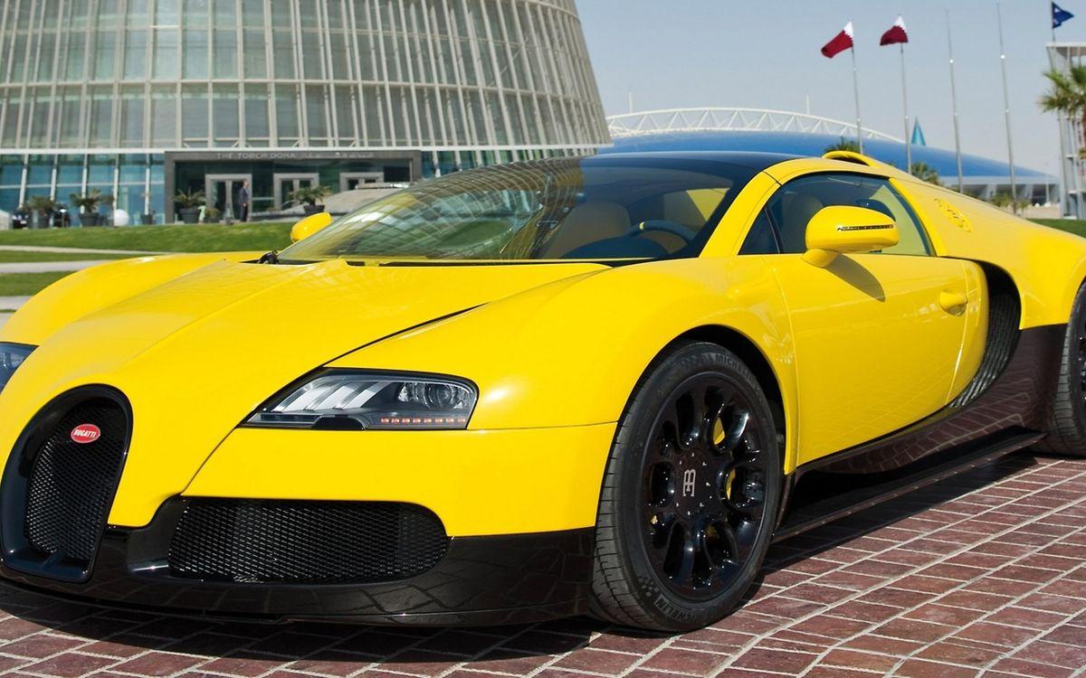 Фото бесплатно bugatti, жёлтый, башня - на рабочий стол