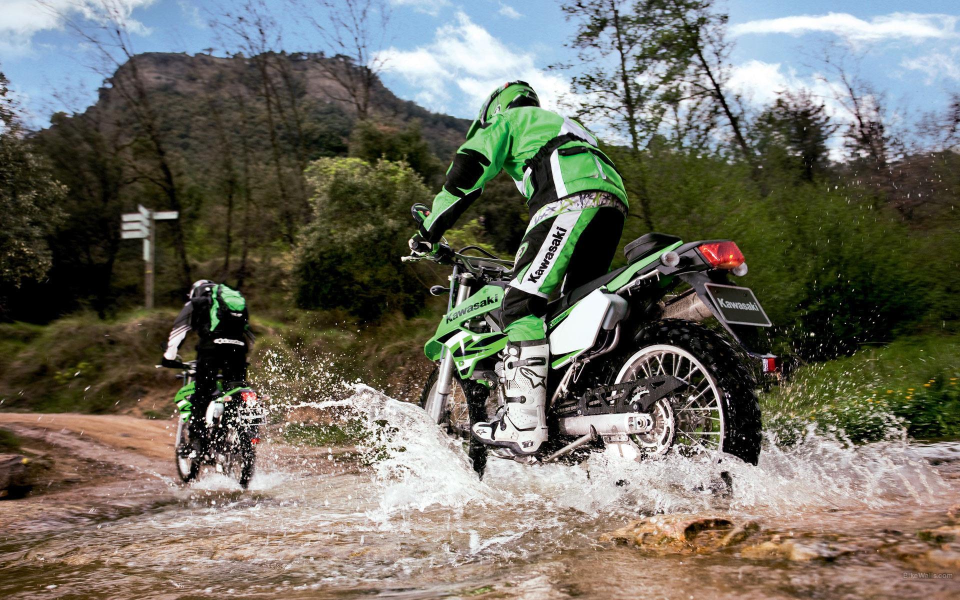 мотоцикл, мотоциклист, дорога