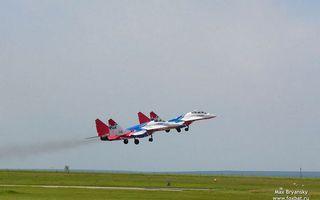 Бесплатные фото самолет,газон,полоса,взлетка,дым,шасси,авиация