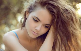 Фото бесплатно девочки, плечо, рука