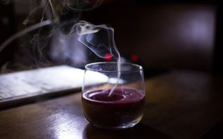 Фото бесплатно свеча, дым, стол