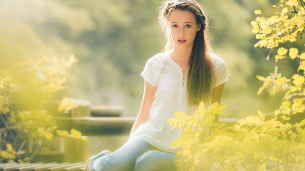 Бесплатные фото волосу,длинные,глаза,губы,ветки,листья,девушки