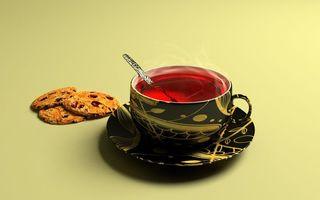 Обои кружка, чай, красный, ложка, блюдце, печенье, изюм, еда