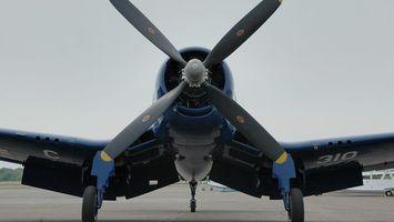 Бесплатные фото самолет,крылья,пропеллер,шасси,полоса,авиация