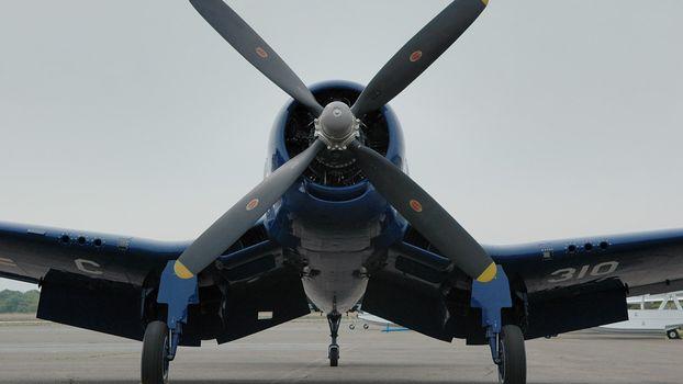 Фото бесплатно самолет, крылья, пропеллер