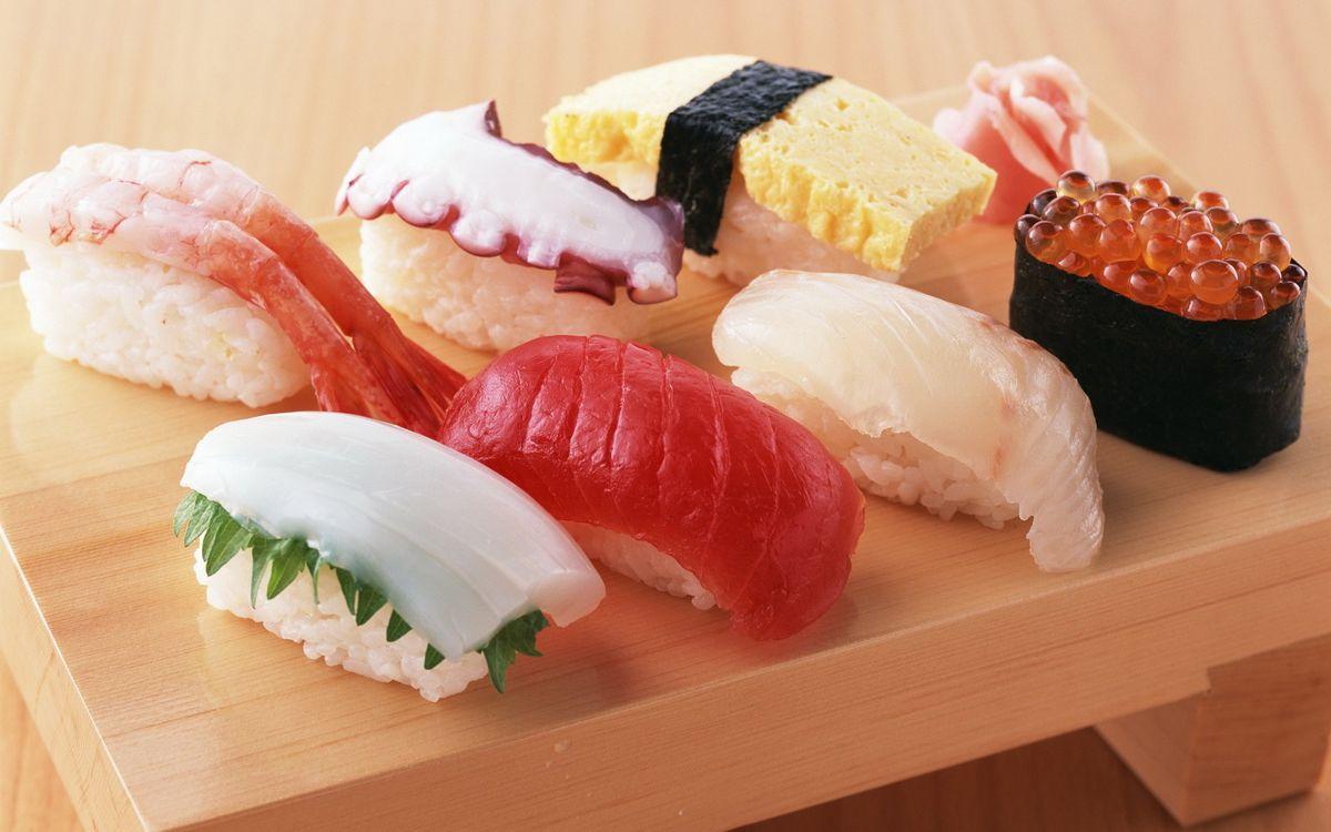 Фото бесплатно суши, икра, рис, рыба, лосось, стол, доска, водоросли, креветки, еда, еда