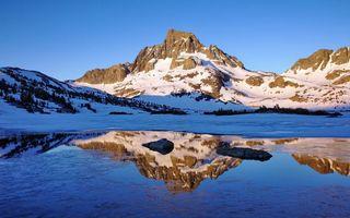 Бесплатные фото горы,снег,вода,камни,небо,голубое,природа