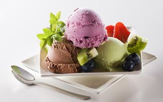 Заставки мороженое,дольки,киви,ягода,черника,поднос,ложка