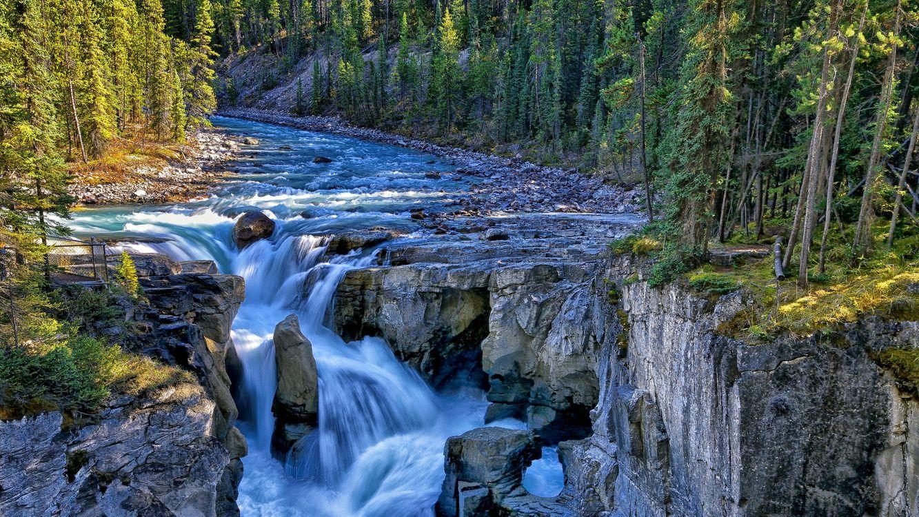 Обои река, течение, камни картинки на телефон