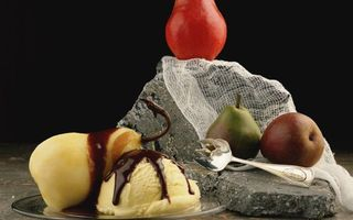 Фото бесплатно десерт, мороженое, груши, фрукты, ложка, камень, еда