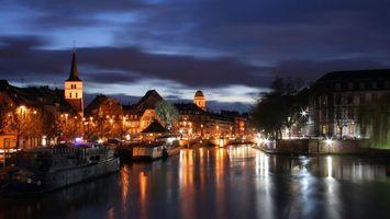 Бесплатные фото дома,свет,вода,река,корабль,деревья,красиво