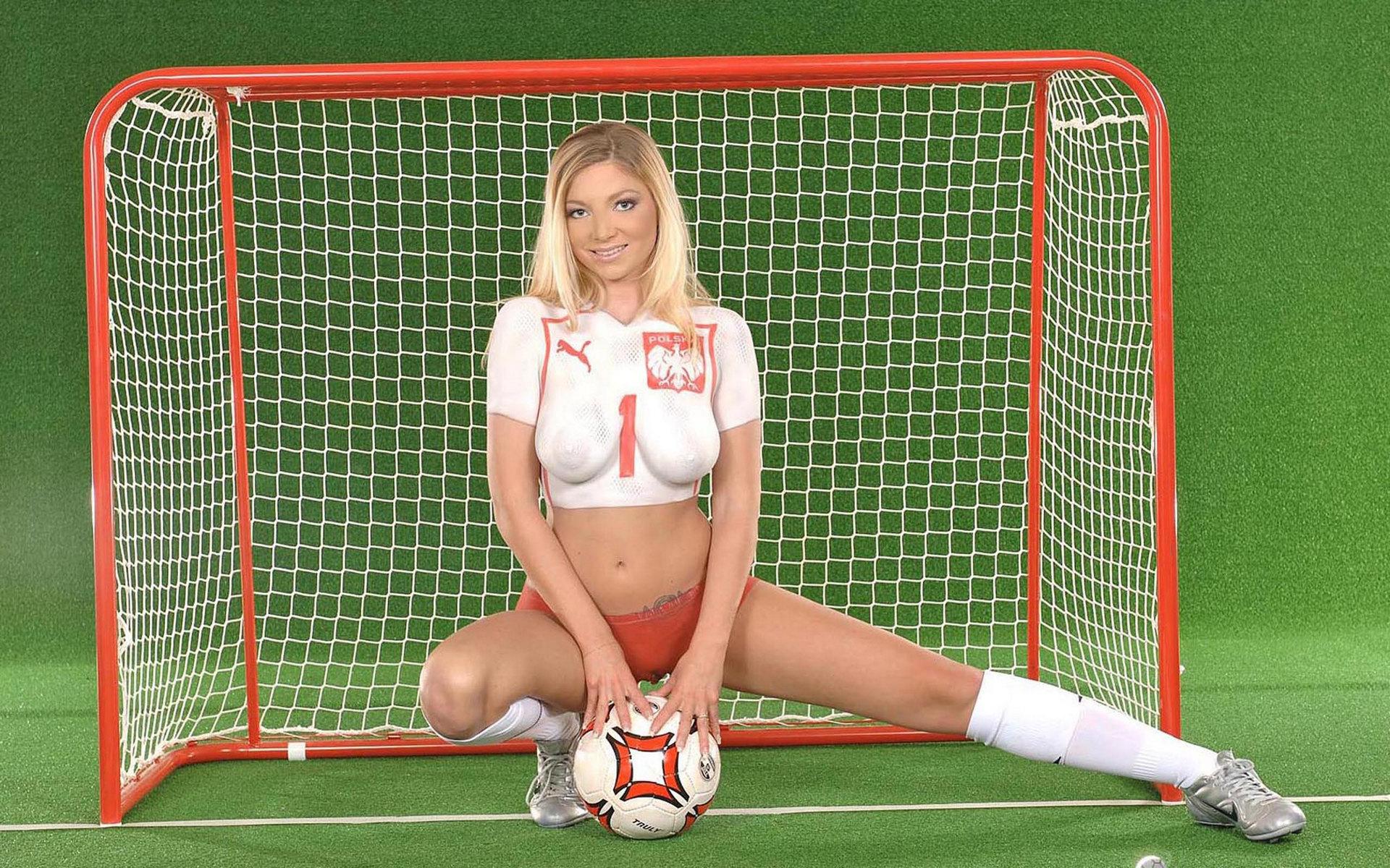 Футбольные болельщицы эротика 12 фотография