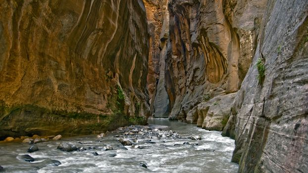 Заставки пещера, ущелье, река