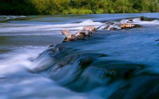 Заставки вода, брызги, камни