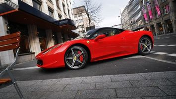 Бесплатные фото авто,красный,колеса,капот,фары,крыша,гонки