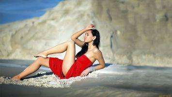Обои дівчина, красива, секси, червона, пляж, богиня, девушки
