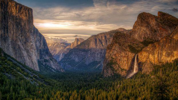 Бесплатные фото горы,ущелье,лес,деревья,лето,природа,пейзажи