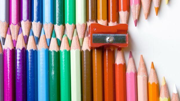 Заставки карандаши, разноцветные, заточенные