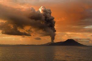Фото бесплатно море, горы, дым
