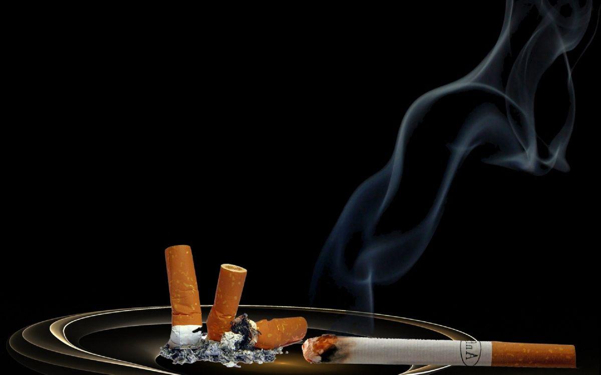 Фото бесплатно пепельница, сигарета, дым, уголь, пепел, окурки, стол, фильтр, 3d графика, 3d графика - скачать на рабочий стол