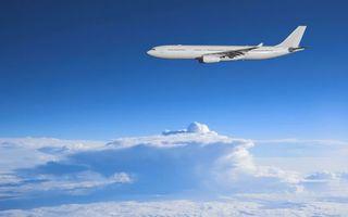 Бесплатные фото самолет,пассажирский,небо,облака,голубое,хвост,кабина