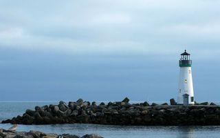 Бесплатные фото берег,море,волнорезы,маяк,свет,горизонт,небо