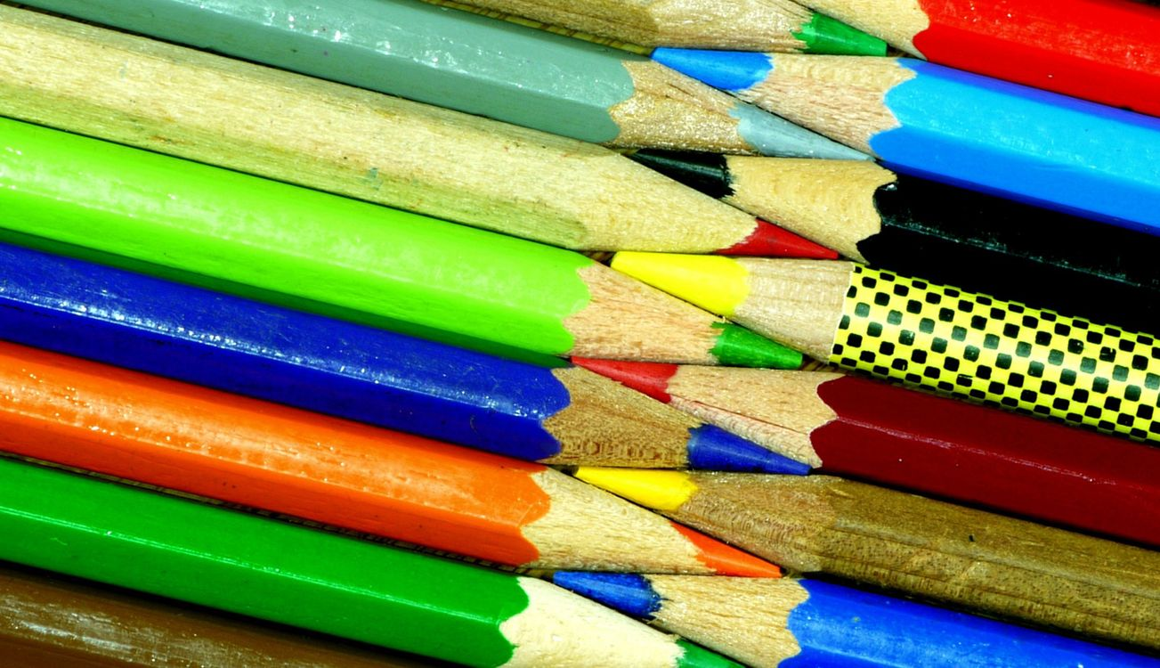 Фото бесплатно карандаши, цветные, деревянные - на рабочий стол