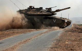 Бесплатные фото танк,скорость,дорога,пыль,гусеницы,ствол,дуло