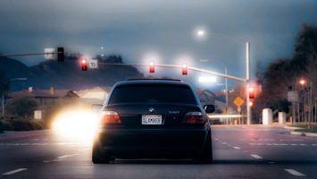 Бесплатные фото бмв,черная,дорога,перекресток,светофоры,фонари,машины