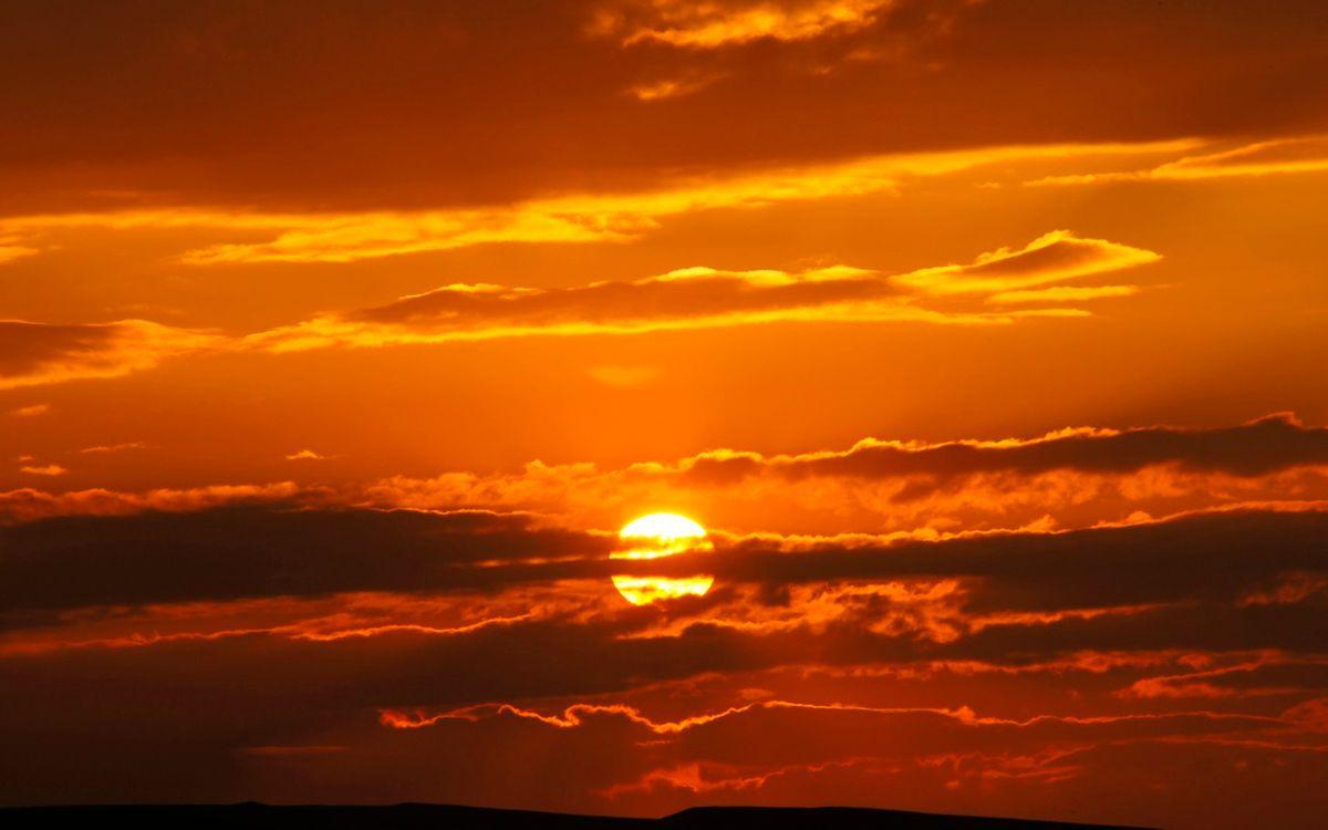 Фото бесплатно небо, красное, оранжевое, солнце, закат, лучи, тучи, облака, лето, природа, пейзажи, пейзажи