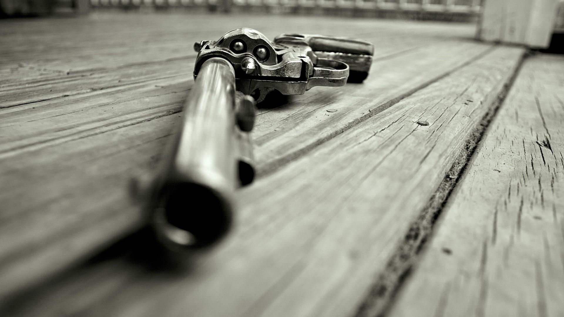 револьвер, барабан, пули