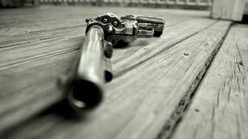 Фото бесплатно револьвер, барабан, пули