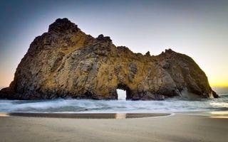 Бесплатные фото скала,камни,проем,море,волны,берег,песок