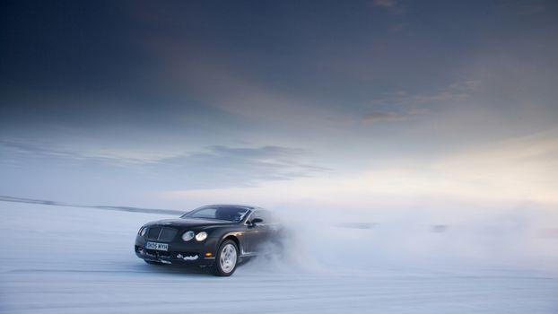 Фото бесплатно bentley, гонка, по льду