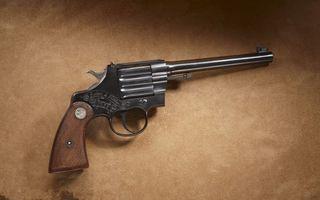 Бесплатные фото револьвер, надпись, барабан, пистолет, старый, фон, оружие