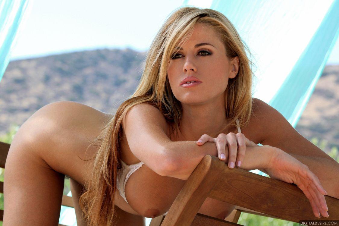 Красивые картинки блондинка, девушки, нижнее белье скачать бесплатно