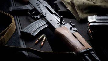 Бесплатные фото ак-47,Калашников,автомат,пули,магазин