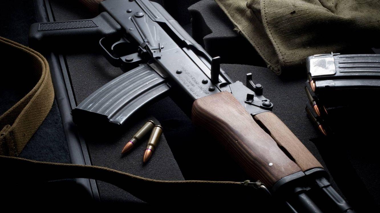 Фото бесплатно ак-47, Калашников, автомат, пули, магазин, оружие