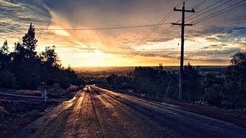Бесплатные фото дорога,вечер,закат,облака,деревья,столбы,провода