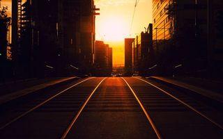 Бесплатные фото дорога,асфальт,железная дорога,рельсы,небо,рассвет,солнце