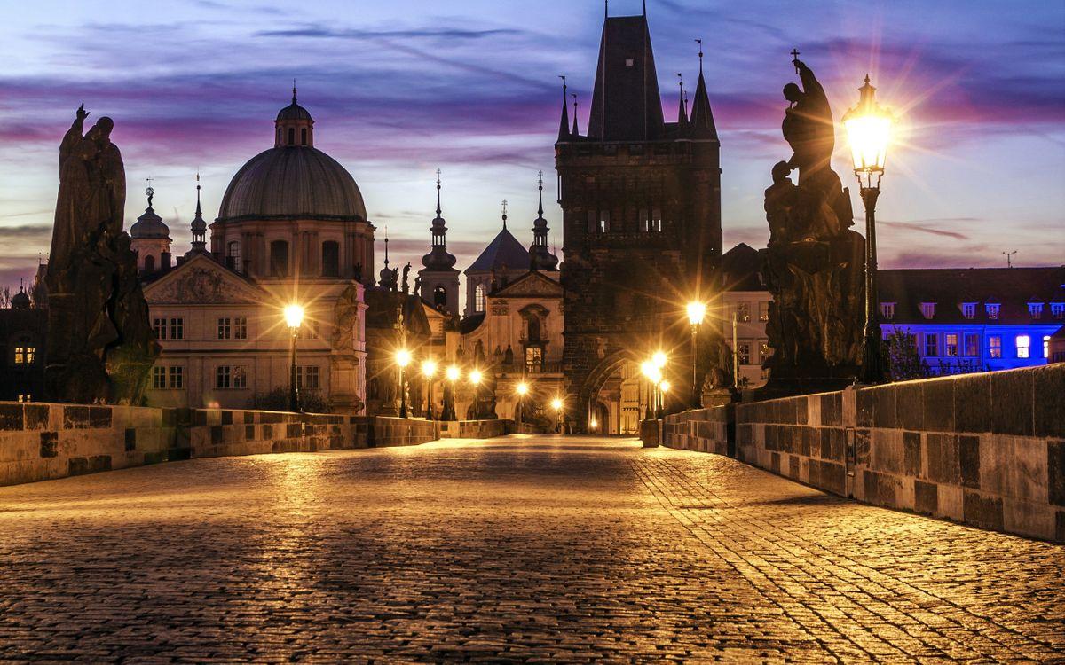 Фото бесплатно карлов мост, prague bridge, чехия, прага, вечер, освещение, фонари, город, город