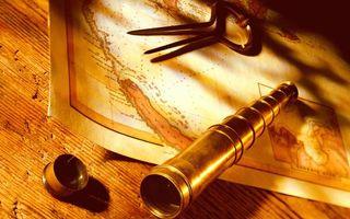 Бесплатные фото карта,циркуль,подзорная труба,колпачок,крышка,стол,деревянный